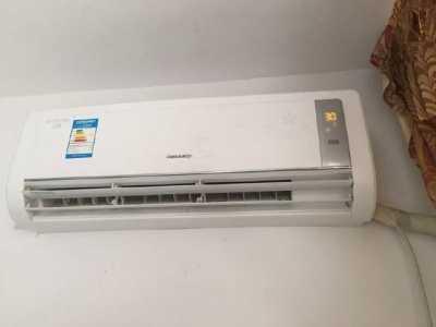空调开着时直接拔电源 冬天不用空调电源插着还是拔掉