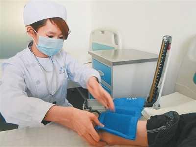 医生和美女病人写真 女医生检查男科图片过程