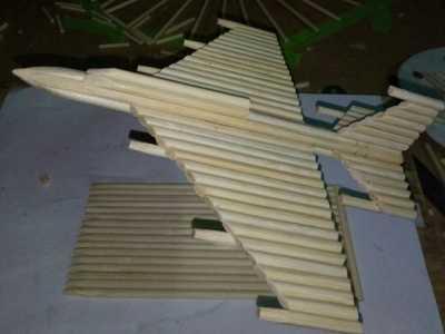 如何制作飞机模型过程 一次性筷子飞机模型手工制作过程